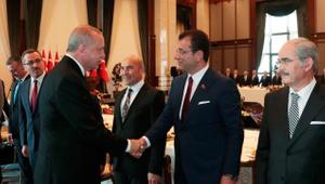 İmamoğlu'ndan Cumhurbaşkanı Erdoğan'a: Senin de koltuğun sallanıyor