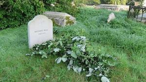 Gömüldükten sonra mezarlarından uyanan insanlar