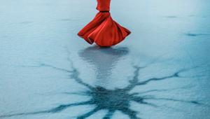 Afyonkarahisar'da buz tutan Emre Gölü'nde sema gösterisi