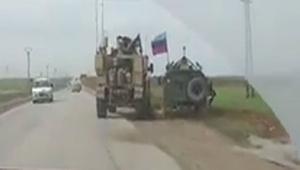 Suriye'de ABD askeri aracı Rus askeri aracı görünce bakın ne yaptı