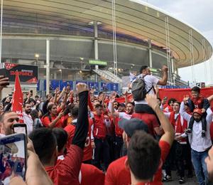 Türk taraftarlar Stade de France'a akın etti!