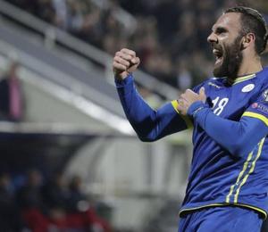 Vedat Muriqi attı, Kosova umutlarını tazeledi!