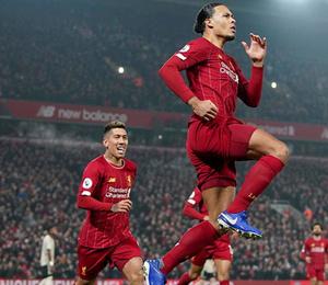Liverpool farkı açıyor