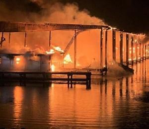 ABD'de marinada yangın: En az 8 ölü, 6 yaralı