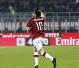 Hakan Çalhanoğlu maça damga vurdu Milan turladı