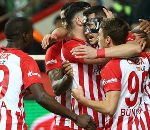 Kritik maçta Antalyaspor 10 dakikada sonuca gitti