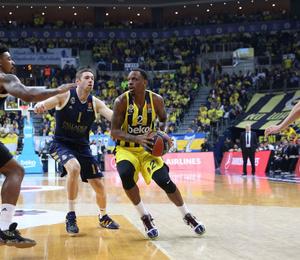 Fenerbahçe Beko evinde Real Madrid'e kaybetti