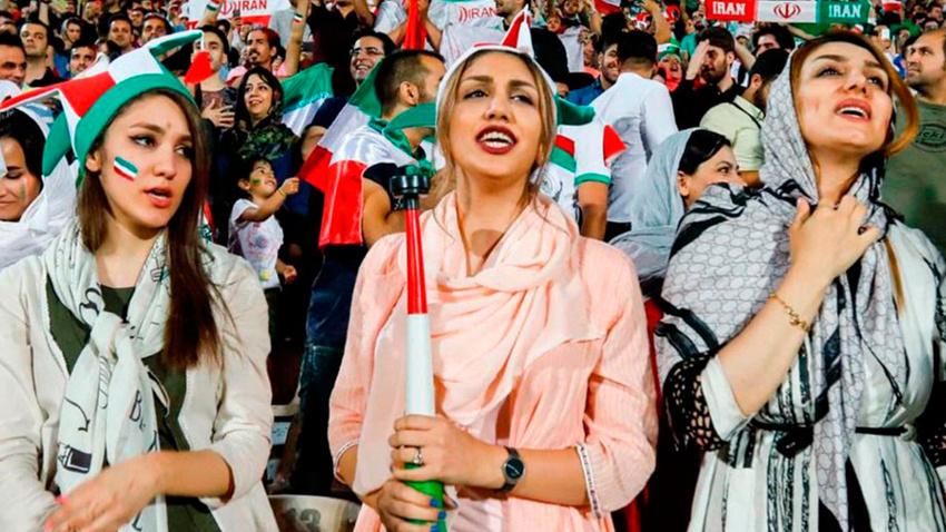 """İranlı kadınlara """"milli maç"""" müjdesi"""