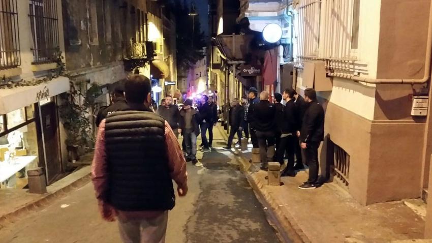 İstanbul'da 5 katlı binada göçük meydana geldi