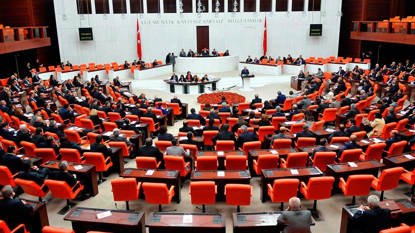 İYİ Parti memur adaylarının sorunlarını Meclis'e taşıdı