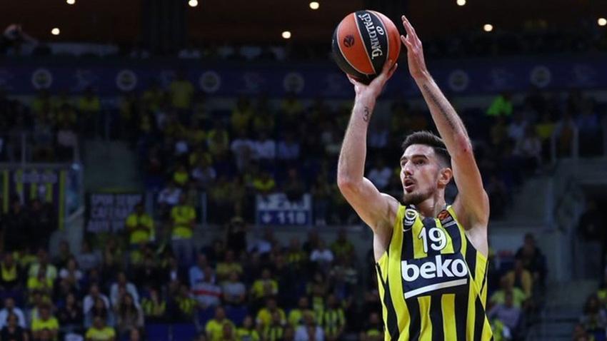 Fenerbahçe kazandı, De Colo rekor kırdı!