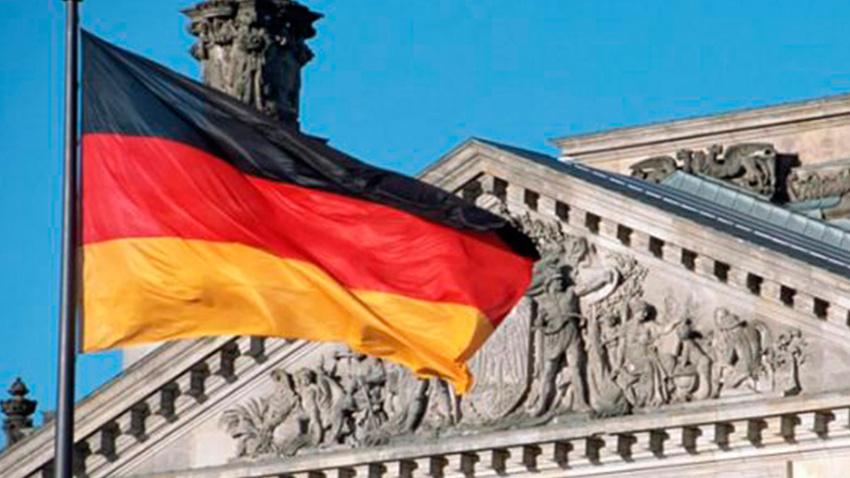Almanya'da din görevlilerine dil şartı!