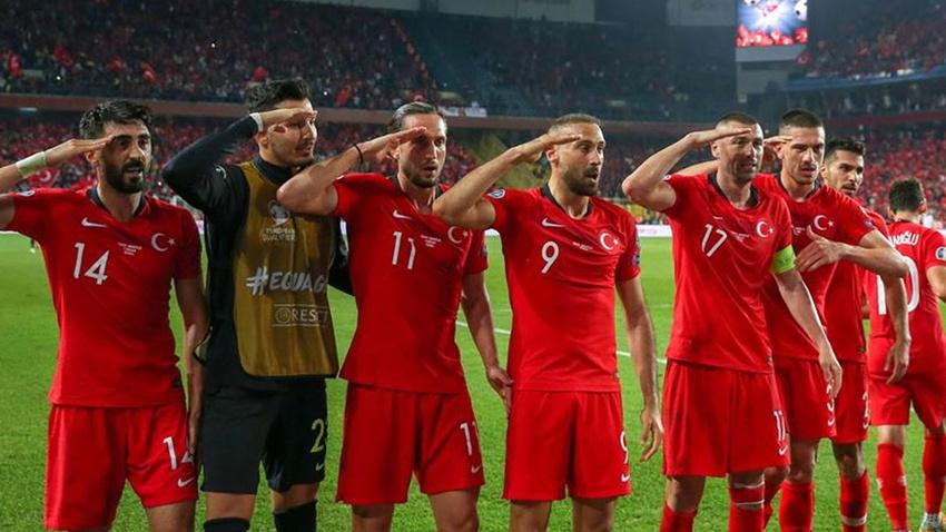 Süper Lig'deki 18 kulüpten UEFA'ya 'asker selamı' tepkisi
