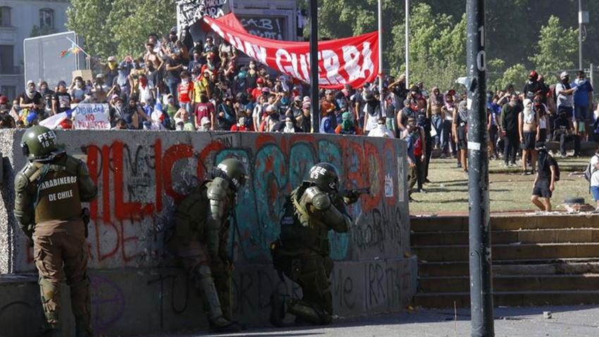 Şili'de yağma ve kundaklama olayları devam ediyor