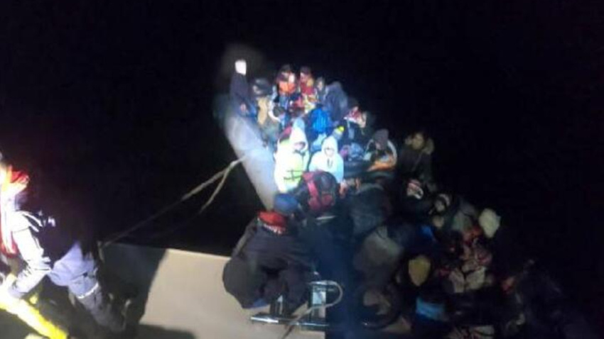 Didim açıklarında 57 kaçak göçmen yakalandı