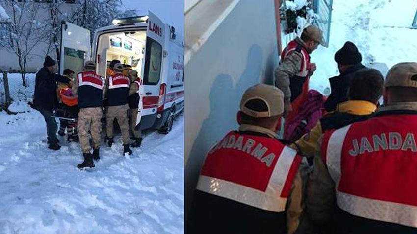 Jandarma kar nedeniyle evinde mahsur kalan yaşlı hasta için seferber oldu