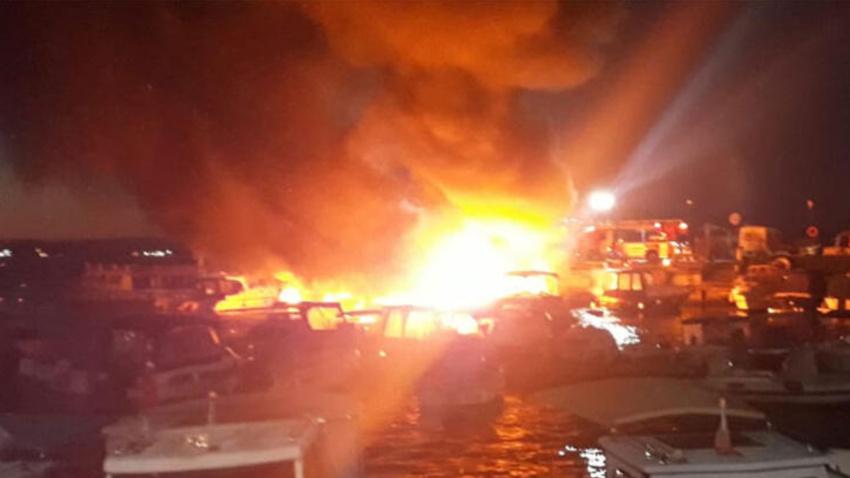 İstanbul'da büyük tekne yangını