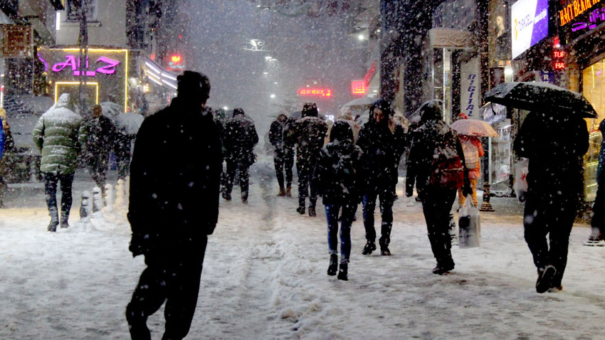 Giresun merkeze 4 yıl sonra kar yağdı