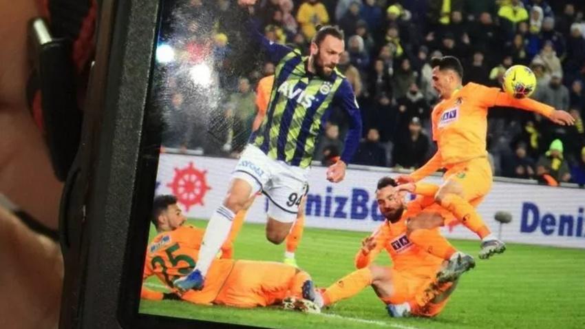 Mustafa Pektemek çok konuşulan penaltı pozisyonunu anlattı