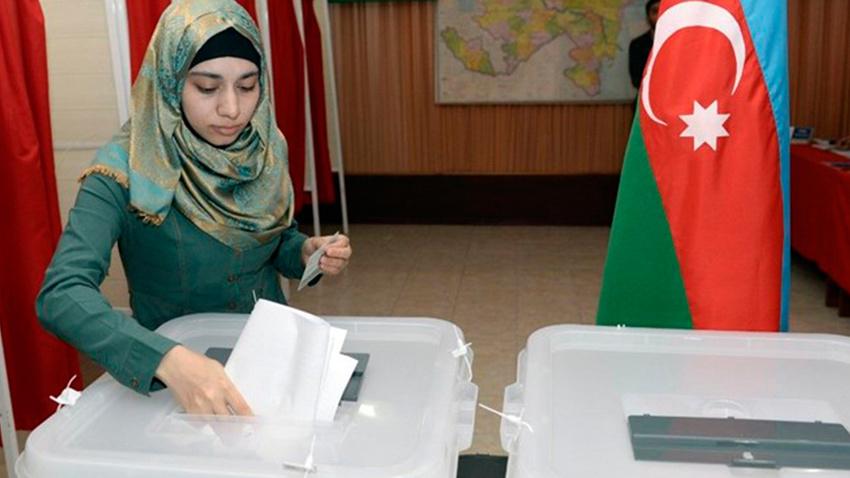 Azerbaycan'da erken seçimi Aliyev'in partisi kazandı