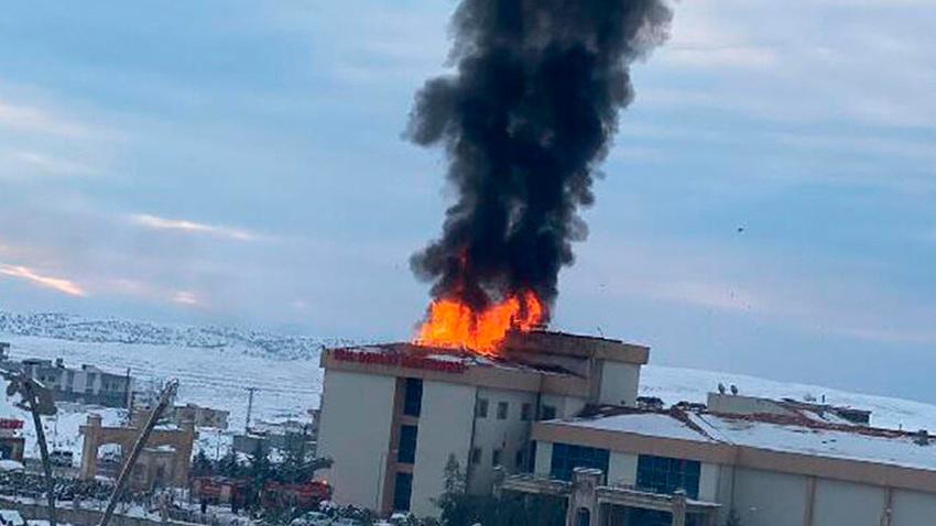 Şırnak İdil'de hastanede korkutan yangın