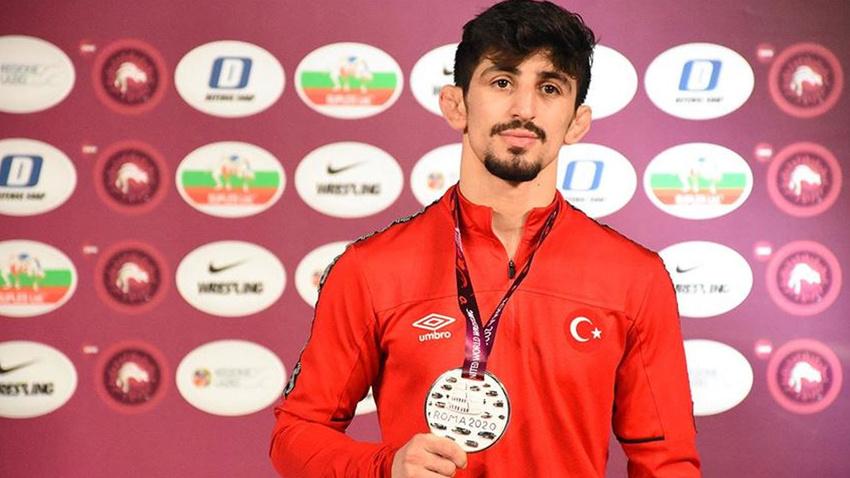 Milli güreşçilerden Avrupa Güreş Şampiyonası'nda üç madalya