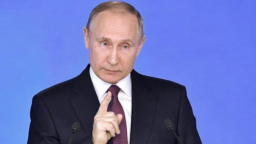 Eşcinsel evliliğe izin vermeyen Putin: Bir ailede anne ve baba olur!