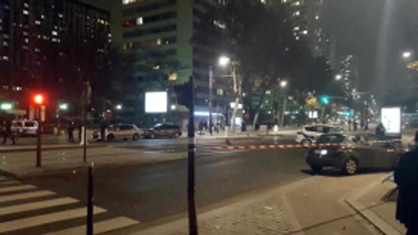 Paris'te rehine krizi! Polis bölgeyi kapattı