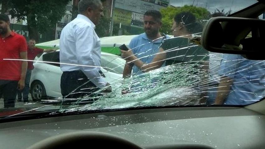 Iğdır Belediye Eş Başkanı'nın aracına saldırı!