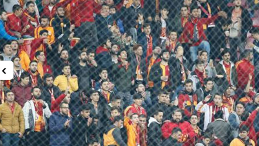 Taraftardan Galatasaraylı yıldız futbolcuya büyük şok!
