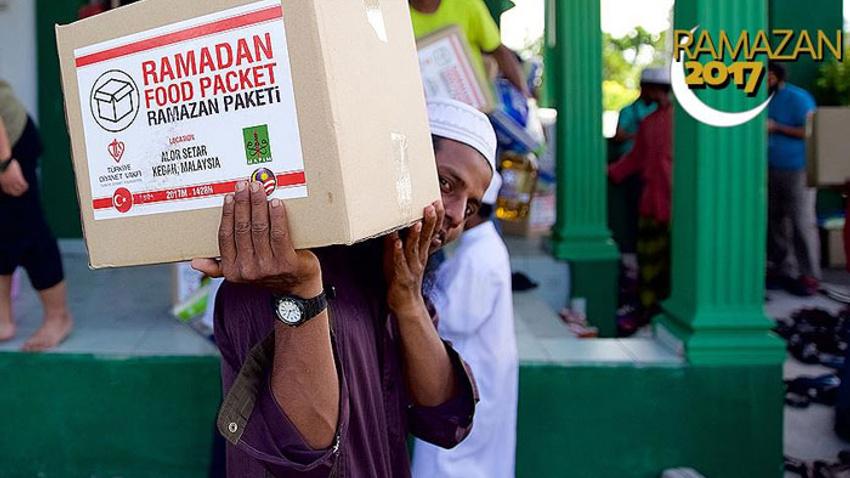 TDV'den Arakanlı Müslümanlara gıda yardımı