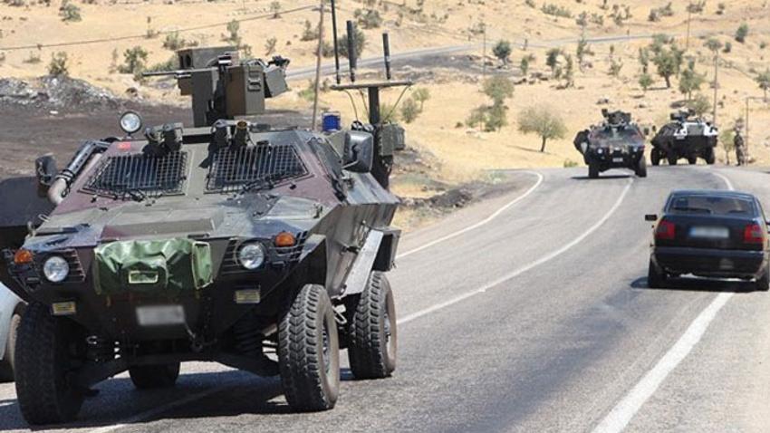 Siirt'te zırhlı araca hain saldırı