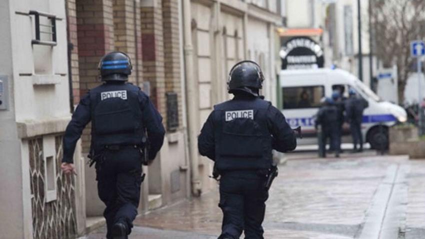 Fransa'da ABD'li turistlere saldırı!
