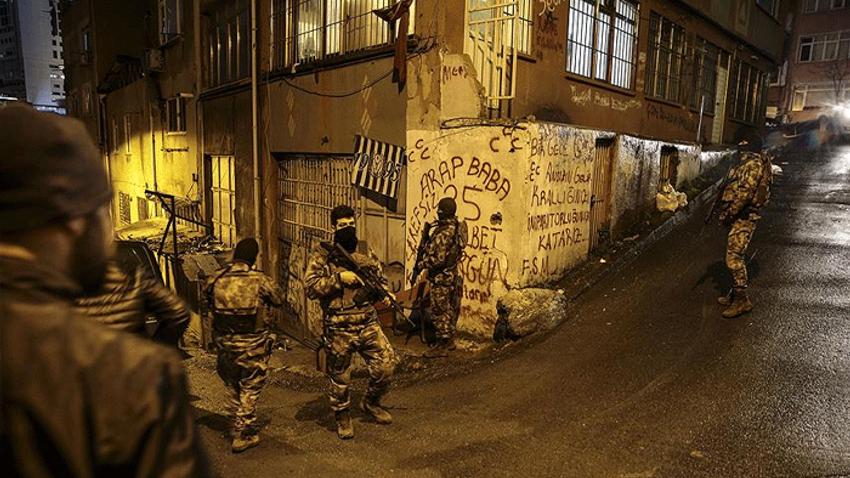 Beyoğlu'nda 6 adrese uyuşturucu operasyonu