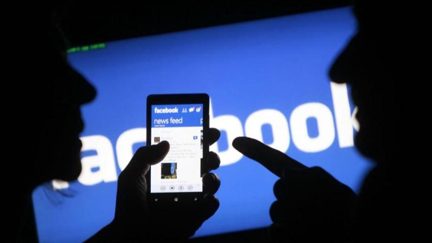 Zuckerberg'e tepkiler dinmiyor! 'Facebook'u sil' kampanyası başladı...