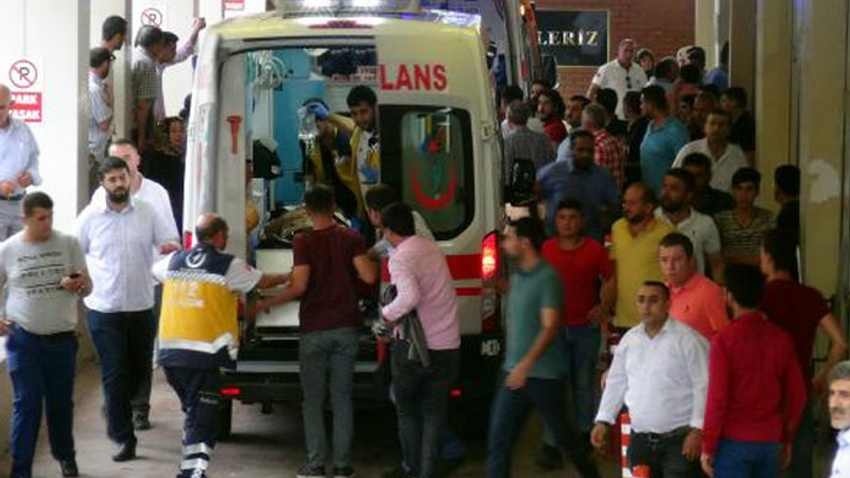 Suruç'ta AK Partililere saldırı: 4 kişi öldü,9 kişi yaralandı