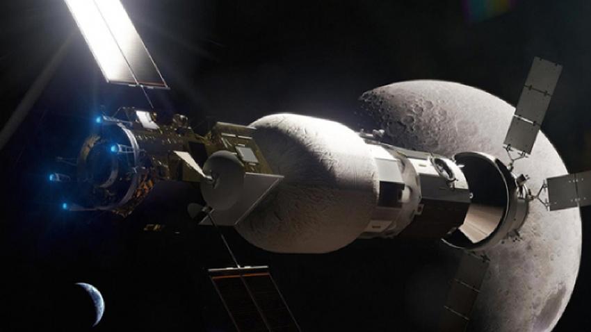 Rusya insanlı Ay uçuşu için çalışmalara başladı