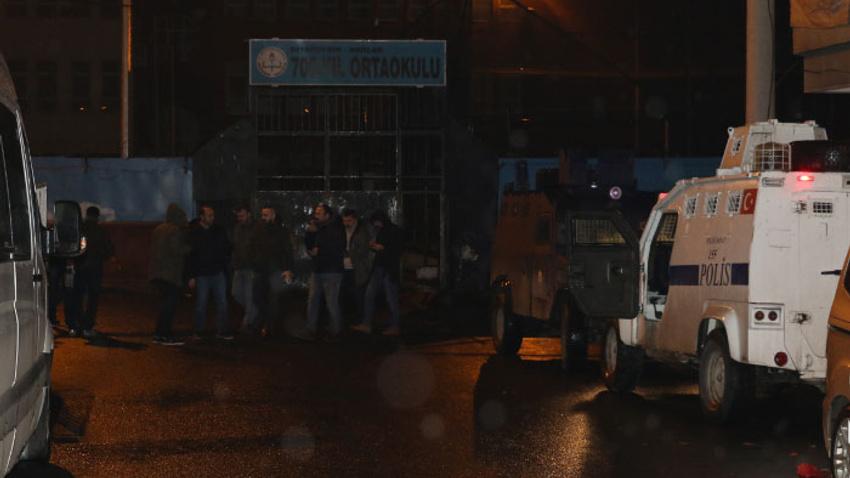 Diyarbakır'da silahlı kavga: 1'i ağır 3 yaralı
