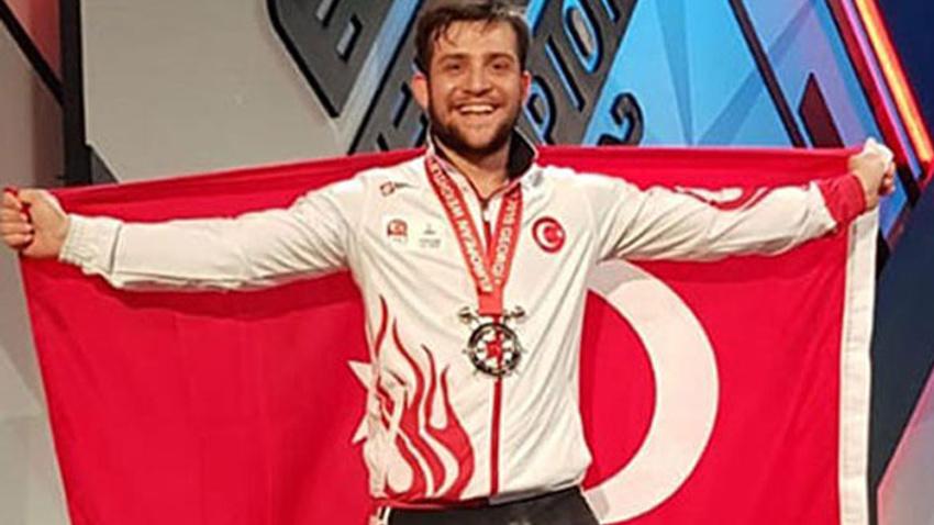 Celil Erdoğdu'dan gümüş madalya