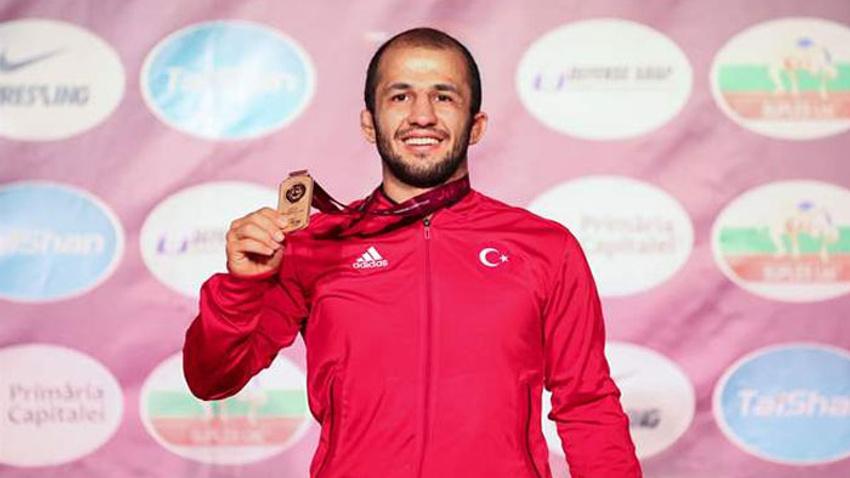 Mustafa Kaya'dan altın madalya