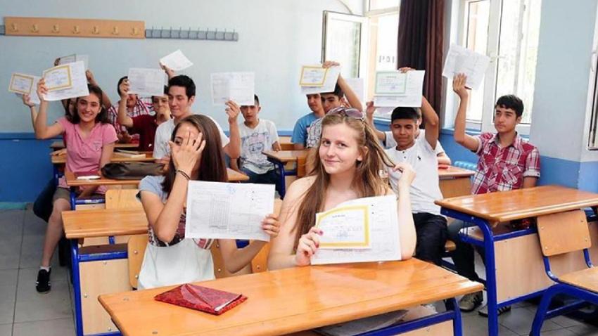 """Okul tatillerine yeni düzenleme """"2 yeni ara tatil"""""""