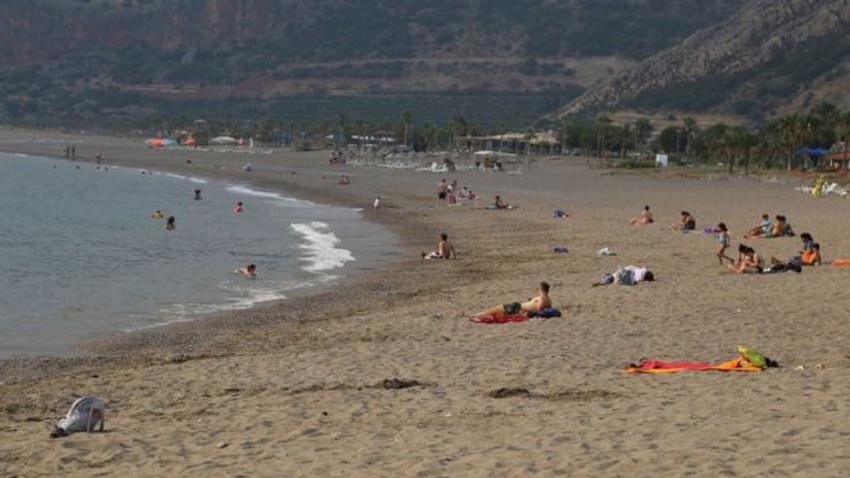 Suriyelilere plaj yasağı veto edildi!