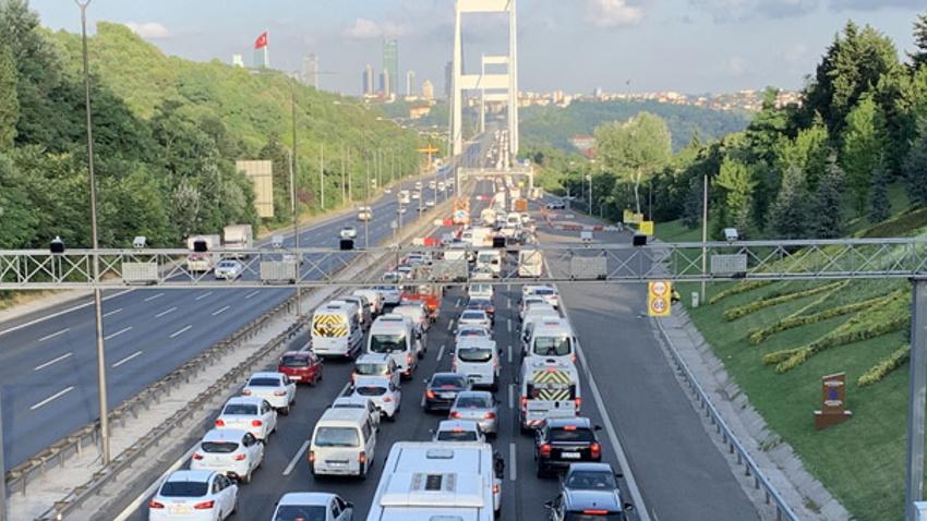 Köprülerde bakım yoğunluğu başladı: FSM'de 4 şerit trafiğe kapatıldı