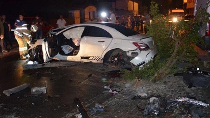 Polisten kaçan sürücü aracıyla dehşet saçtı: 2'si ağır 4 yaralı