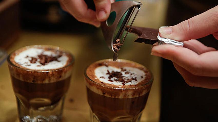 Kahve yapan turistlere para cezası