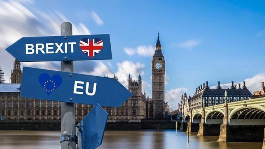 """İngiliz hükümetinin """"anlaşmasız Brexit"""" senaryosu basına sızdı"""