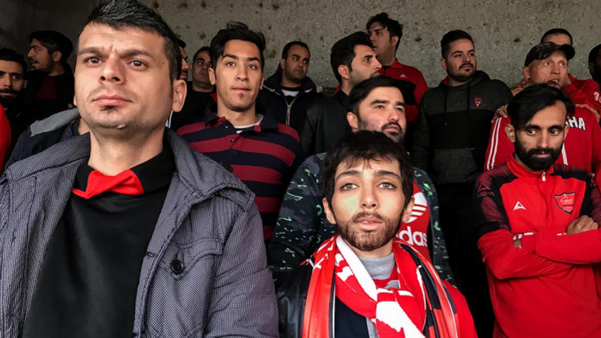 İran'da erkek kılığına girip maç izleyen kadın tutuklandı