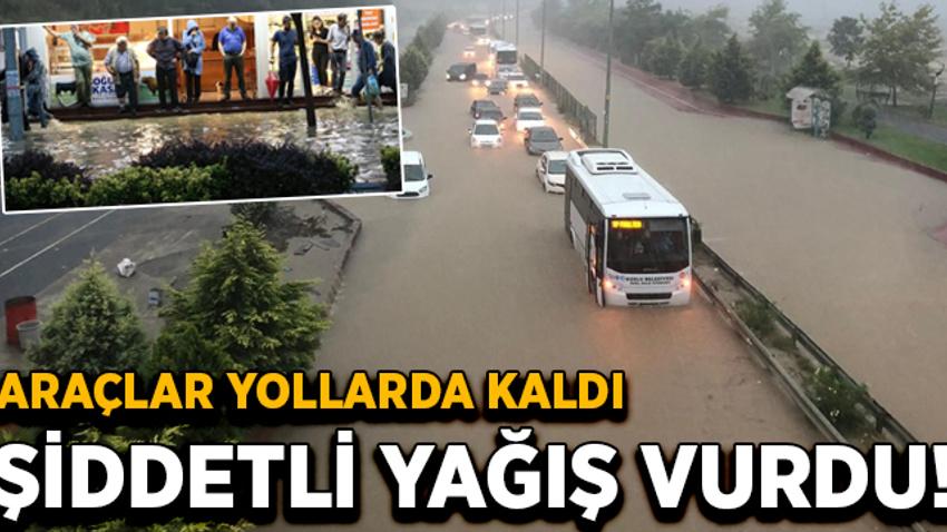Zonguldak'ta şiddetli sağanak! Araçlar yolda kaldı