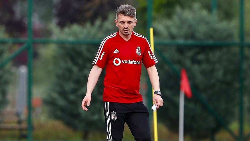 Beşiktaş'ta Orhan Ak'ın istifası kabul edildi