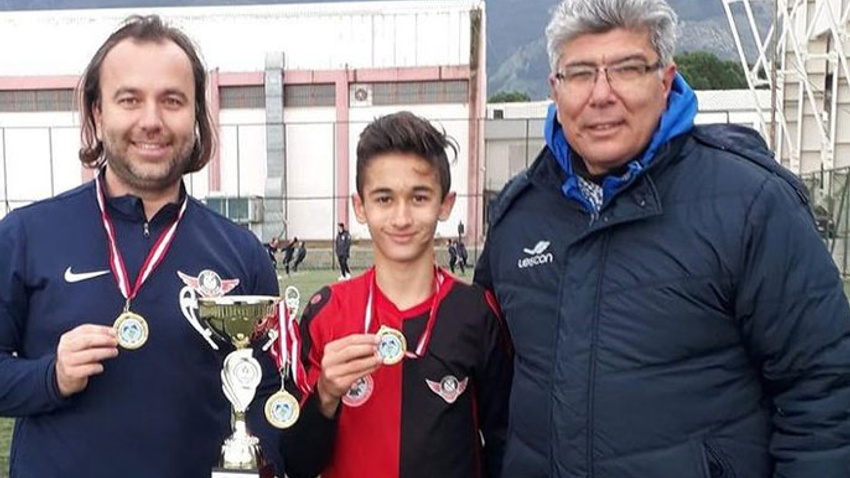 14 yaşında Fenerbahçe'ye transfer oldu